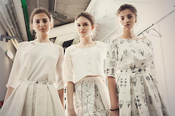 Показ вне-Fashion Week