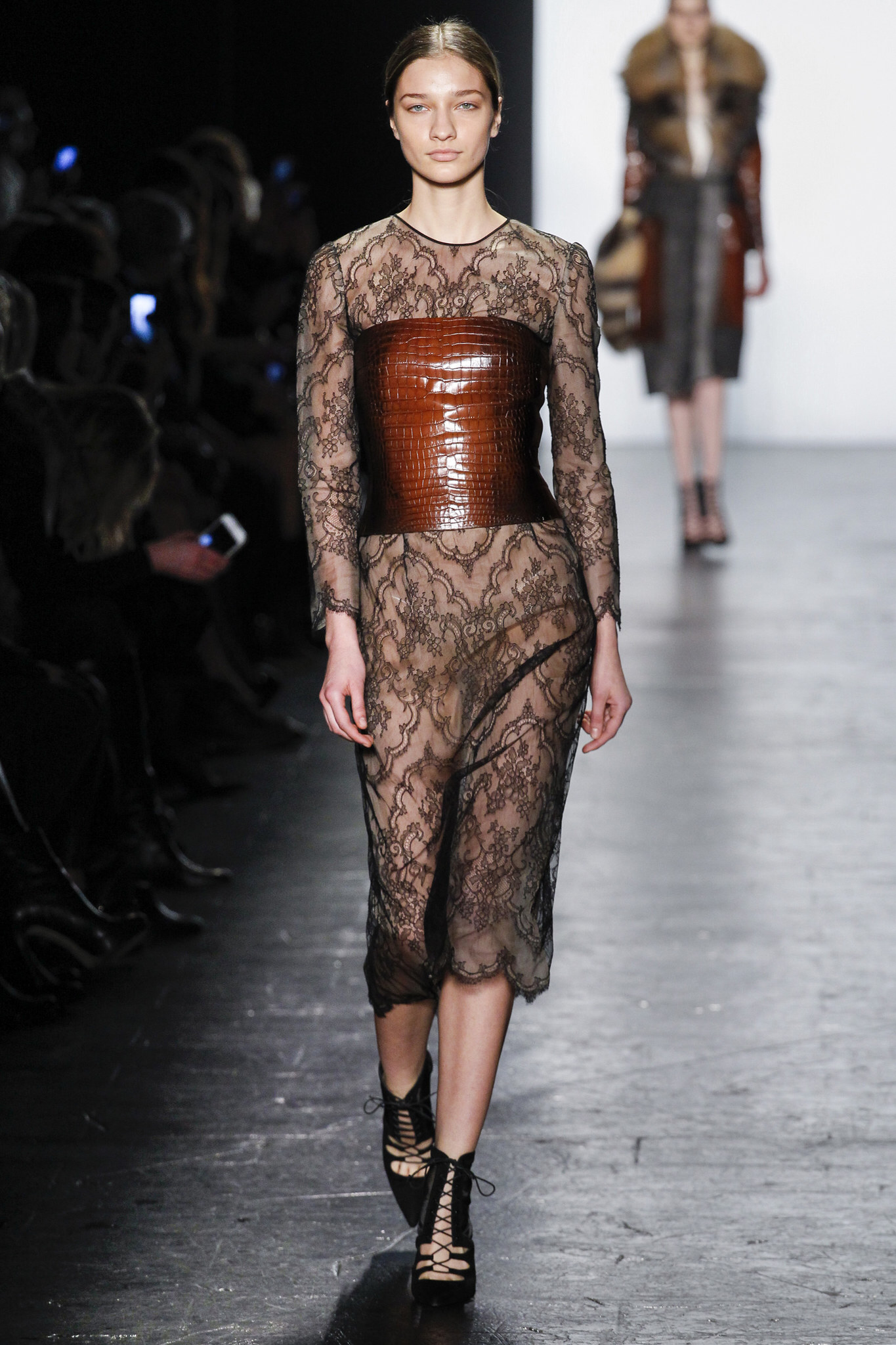 7887452a836 Dennis Basso FALL 2016 New York Fashion Week