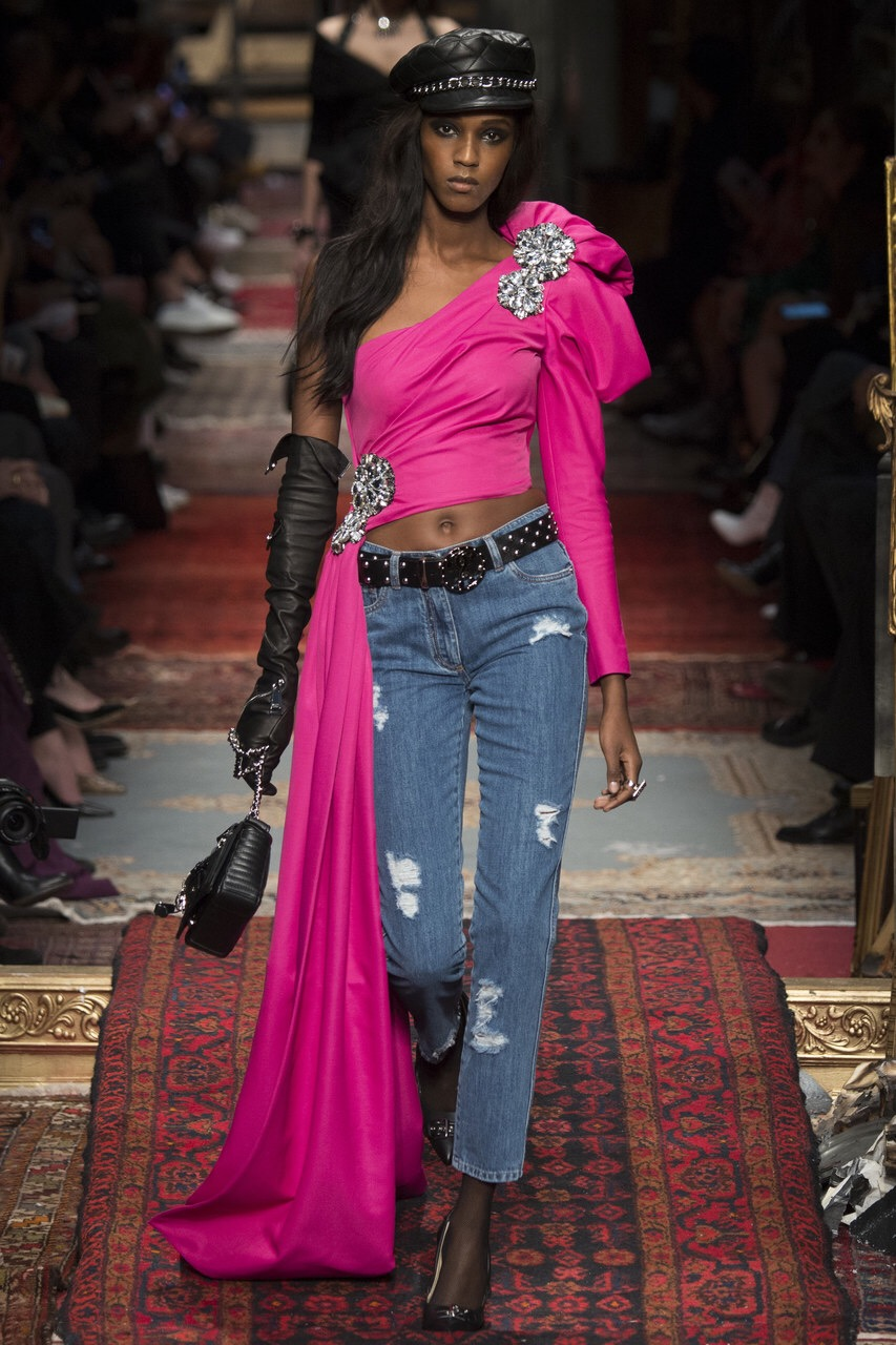 Moschino FALL 2016 Milan Fashion Week