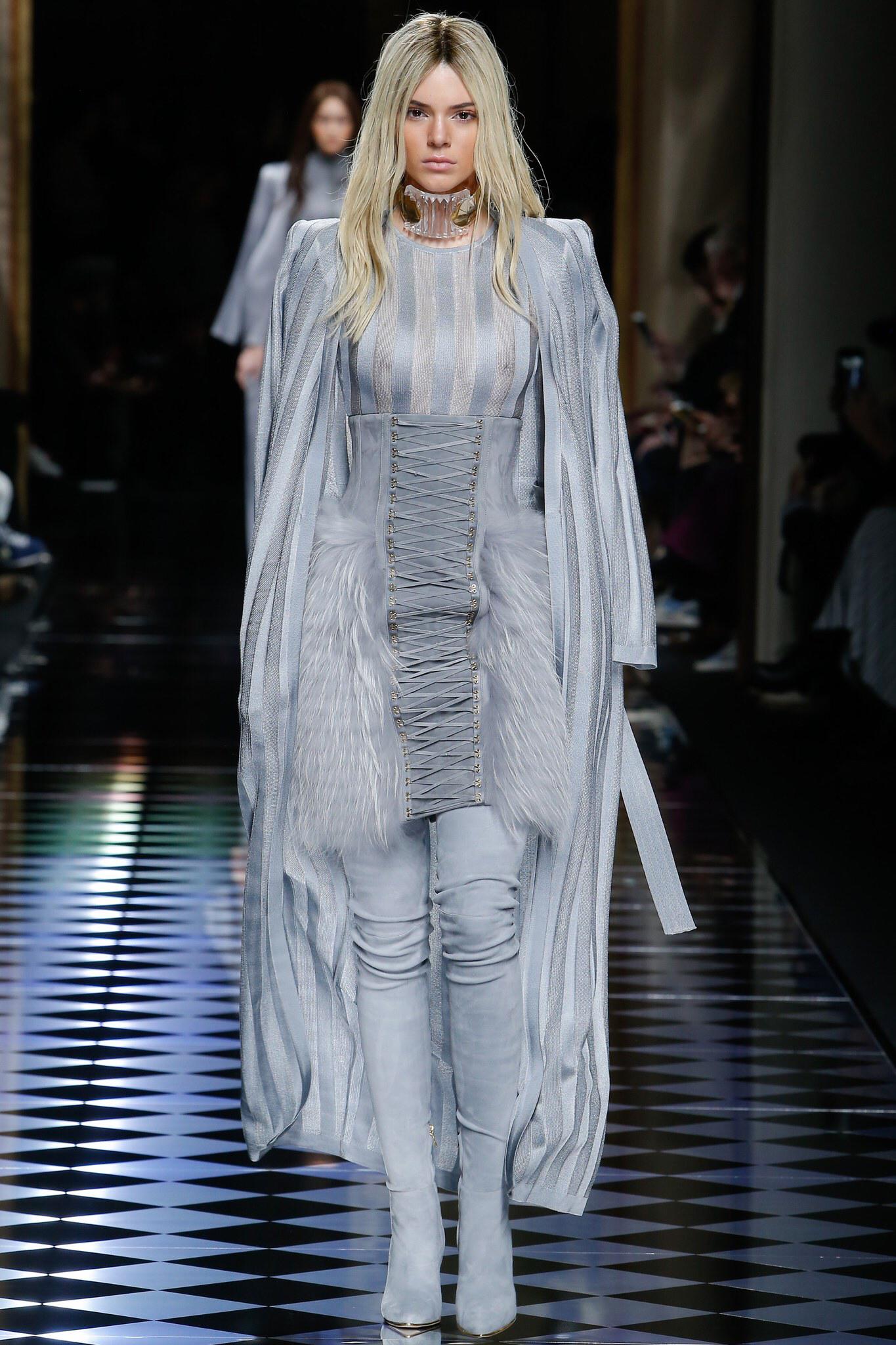 Balmain FALL 2016 Paris Fashion Week