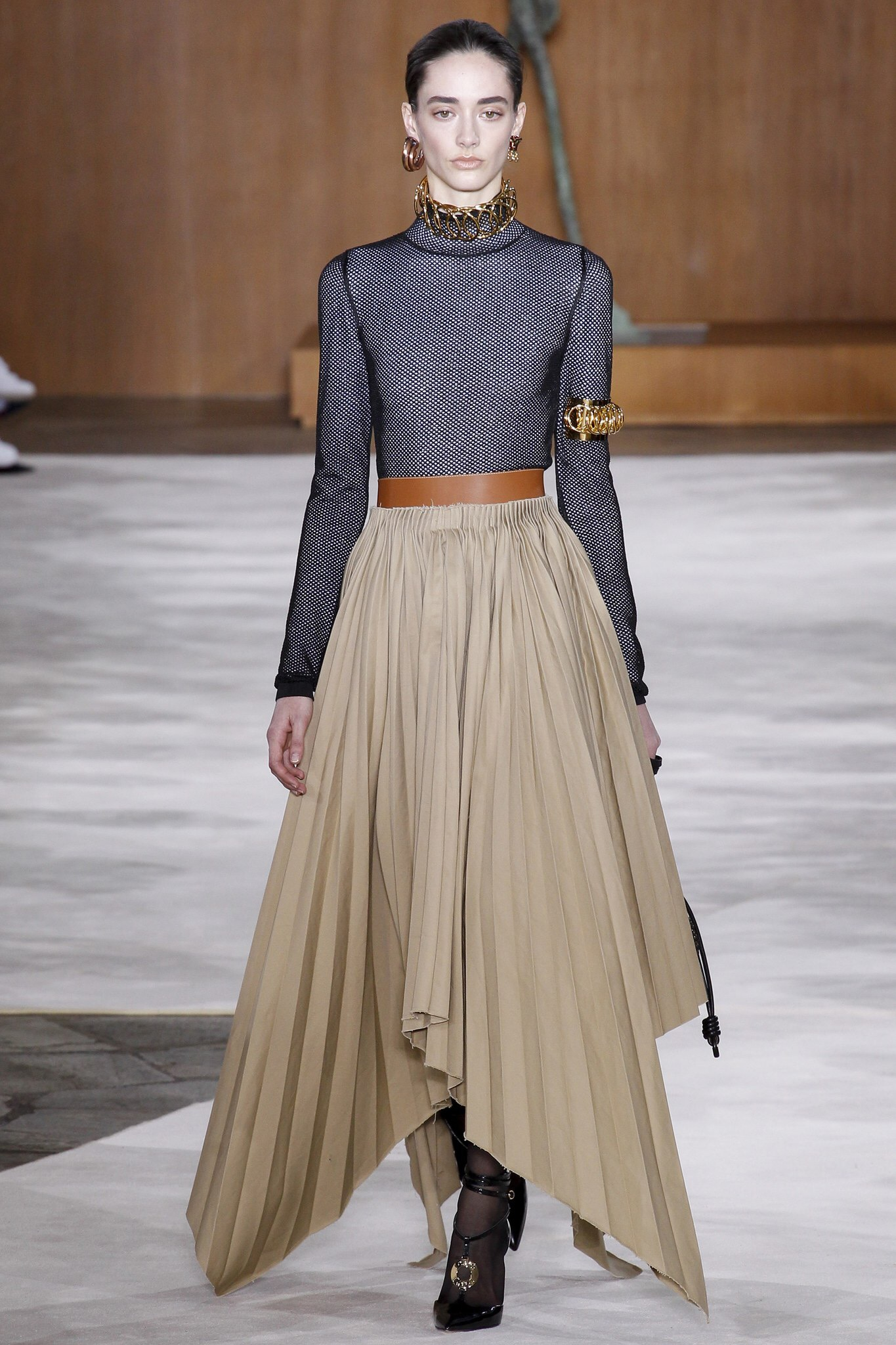 Loewe FALL 2016 Paris Fashion Week