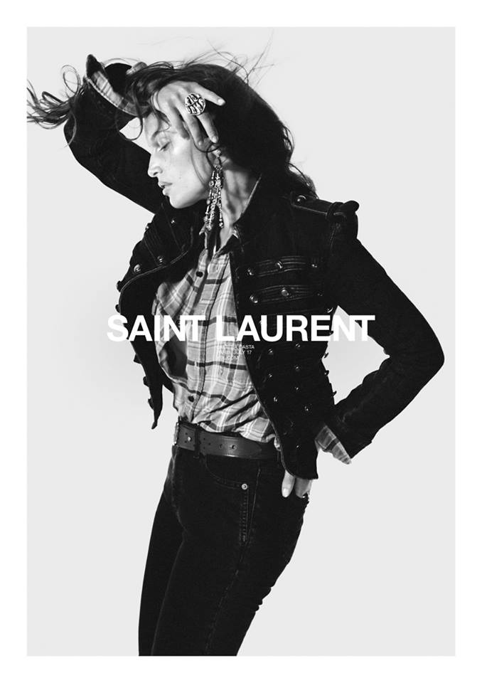 ЛЕТИЦИЯ КАСТА В КАМПЕЙНЕ Saint Laurent