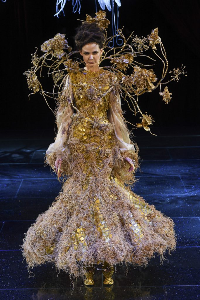 Guo Pei Couture Spring 2018