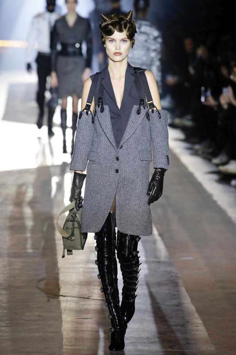 Moschino Fall 2018 Menswear