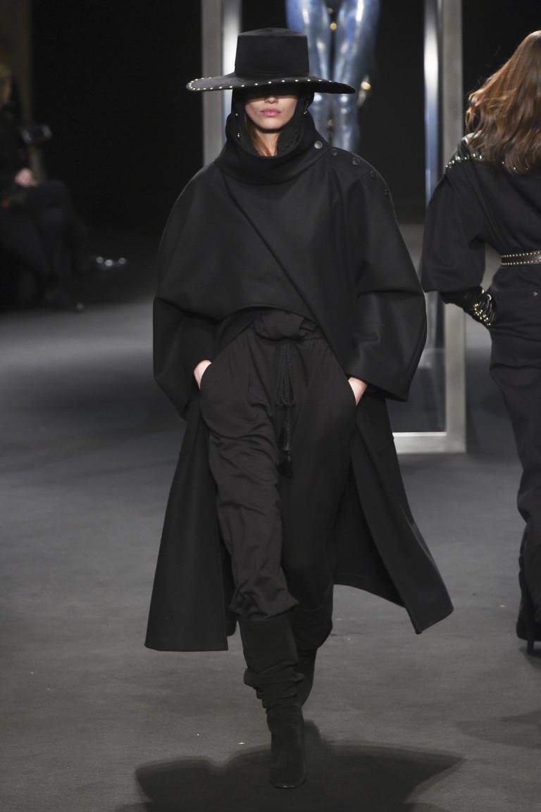 Alberta Ferretti Milan Fashion Week Fall-Winter 18-19