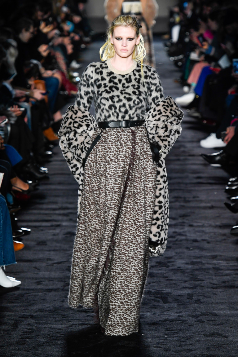 Max Mara  Milan Fashion Week Fall-Winter 18-19