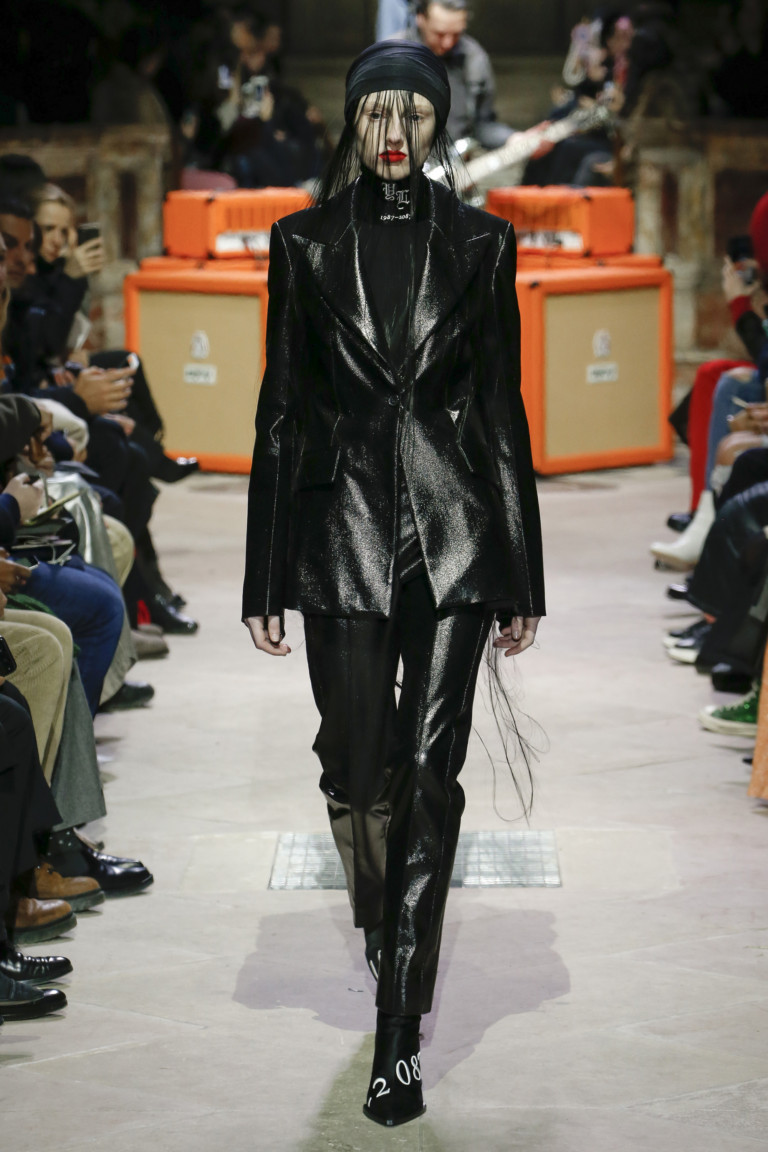 Yang Li Paris Fashion Week Fall-Winter 18-19