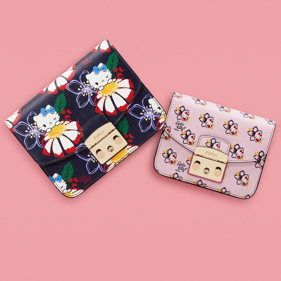 5f4bed7fb4c0 Это серия миниатюрных клатчей, кошельков и косметичек, украшенных принтами  и аппликациями Hello Kitty. Коллекция капсульная и вышла ограниченным  тиражом, ...