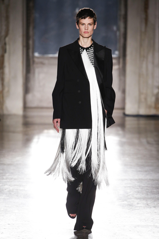 Alberta Ferretti Fall 2018 Couture