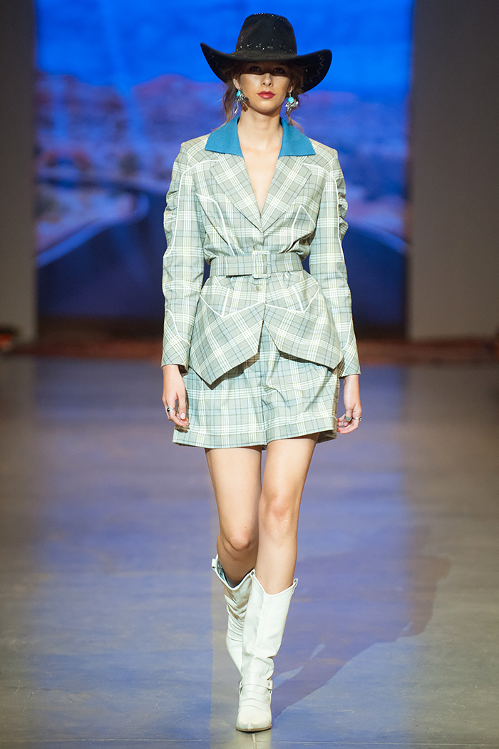 DARJA DONEZZ SS19 Ukrainian Fashion Week