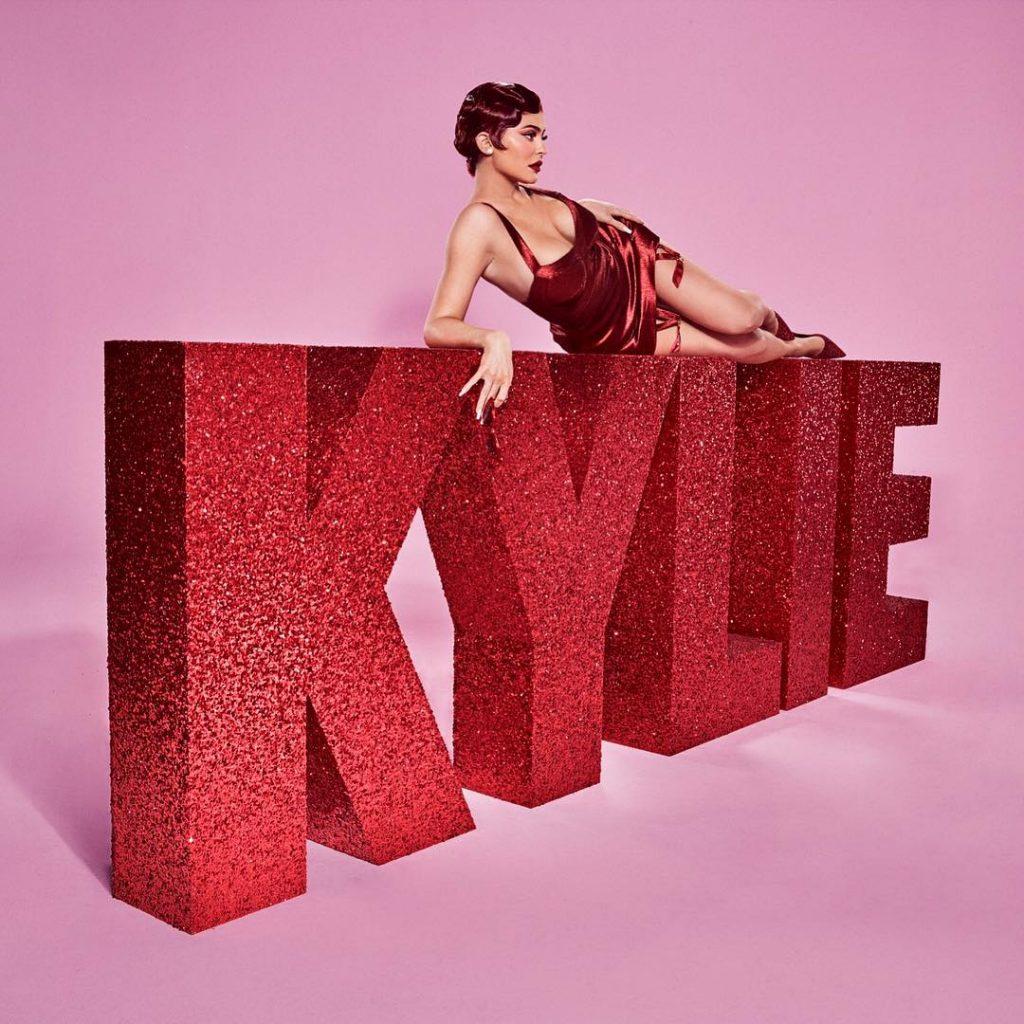 Kylie Cosmetics ВЫПУСТИЛИ КОЛЛЕКЦИЮ НА ВАЛЕНТИНОВ ДЕНЬ